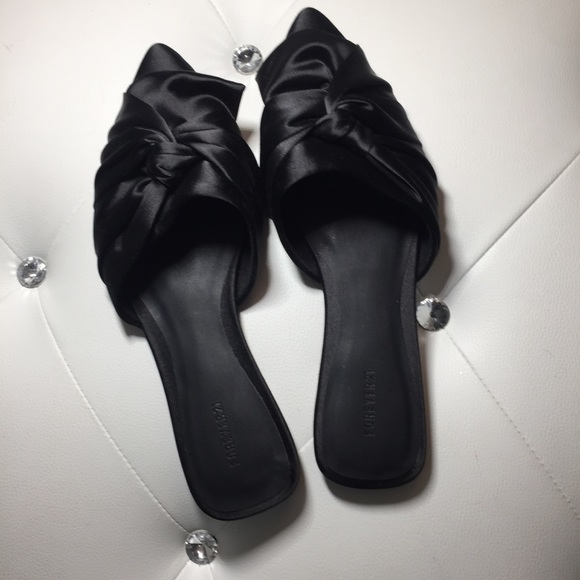 65f16d88d48 NWOT Forever 21 Satin Bow Knot Pointed Toe Mules